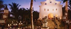 Looking for the ultimate Los Cabos wedding venue? One&Only Palmilla offers you the best Los Cabos wedding packages. One And Only, Hotels And Resorts, Best Hotels, Amazing Hotels, Amazing Places, Honeymoon Registry, Honeymoon Ideas, San Jose Del Cabo, Chapel Wedding