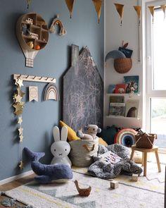 40 curtidas, 5 comentários - 𝒮𝓎𝓁𝓌𝒾 🌿 ( no Instagra . Girls Bedroom, Baby Bedroom, Nursery Room, Nursery Ideas, Room Ideas, Baby Room Boy, Girl Room, Sofa Bed Diy, Deco Kids