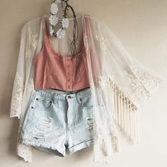 Image via We Heart It #clothes #denim #Dream #fashion #festival #flannel #floral #hipster #jeans #lace #old #outfit #pink #shirts #style #teen #teenager #tumblr #vintage #croptop #cute