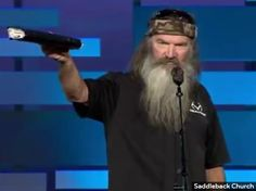 Cracker Barrel Reinstates 'Duck Dynasty' Products