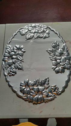 marcos para espejo Aluminum Foil Crafts, Aluminum Cans, Metal Crafts, Tin Foil Art, Tin Art, Pewter Art, Pewter Metal, Metal Tree Wall Art, Metal Artwork
