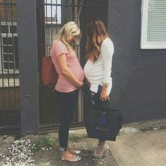 Best friends pregnant together my friends are not this cool