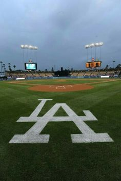 Los Angeles Dodgers home field a dream to play Dodgers Baseball, Dodgers Nation, Let's Go Dodgers, Dodgers Girl, Baseball Games, Baseball Field, Dodgers Party, Baseball Mom, Mlb Stadiums