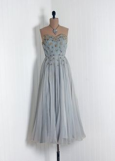 ~ Beautiful Vintage Dress ~ In a Heartbeat I Would Wear This - Love Wearing Vintage...