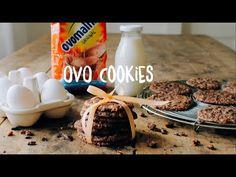 Originelles Guetzli-Rezept: Ovo Cookies! Ovo Pulver, Ovo Schokolade und Haferflocken machen diese Cookies so unwiderstehlich fein. Am besten überzeugst du dich selbst und probierst sie aus. Cookies Et Biscuits, Cereal, Sweet Tooth, Food And Drink, Sweets, Cooking, Breakfast, Desserts, Recipes