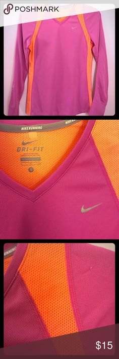 Nike DriFit Women's Top Small Only flaw is the tiny snag shown in picture Nike Tops Tees - Long Sleeve