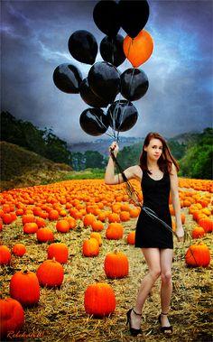 Pumpkin Season von Rebekah W auf - Halloween photography - Halloween