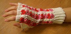 Ravelry: Scrap Heart Fingerless Gloves pattern Free Pattern
