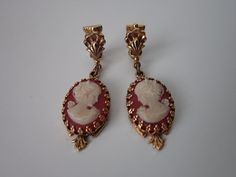 Vintage Gold Tone Cameo Dangle Earrings by cocoandorange on Etsy, www.cocoandorange.com