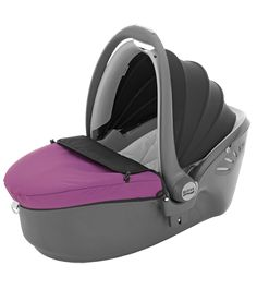 BABY-SAFE SLEEPER - newborn carrier by BRITAX lays baby flat. not sure how safe it is though