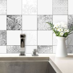 Decorate your tiles individually without much effort. Source by Bohemian Wall Art, Cabinet Lighting, Decoration, Kitchen Remodel, Toilet, Kitchen Decor, Bathtub, Bathroom, Effort