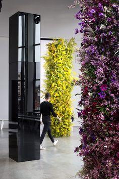 Installations | Putnam & Putnam Flower Wall, My Flower, Flowers, Architecture People, Modern Flower Arrangements, Floral Arch, Nautical Wedding, British Style, Photo Booth