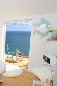 Luxury eco-friendly beach hut overlooking Whitsand Bay - for rent - England