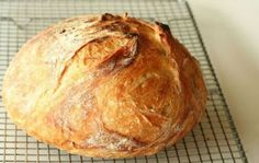 Homemade no knead bread recipe Knead Bread Recipe, No Knead Bread, Pan Bread, Bread Recipes, Cooking Recipes, Cooking Bread, Kolaci I Torte, Rustic Bread, Portuguese Recipes