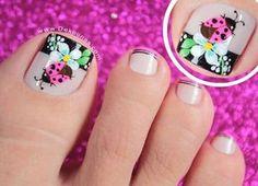 "695 Me gusta, 8 comentarios - Diana Diaz (@dekounas) en Instagram: ""NUEVO VIDEO TUTORIAL DISEÑO DE UÑAS PIES MARIQUITA Y FLORES paso a paso en mi canal…"" Pedicure Designs, Pedicure Nail Art, Toe Nail Art, Cute Toe Nails, Great Nails, Fun Nails, Fingernail Designs, Toe Nail Designs, Cute Pedicures"