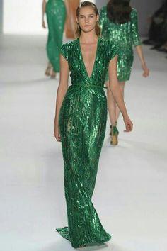 Vestido largo verde brillos