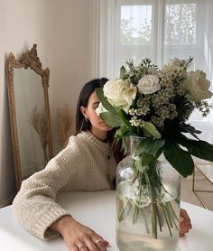 Beige Aesthetic, Flower Aesthetic, Estilo Grunge, Beautiful Lips, New Energy, My Flower, Enchanted, Just In Case, Floral Arrangements