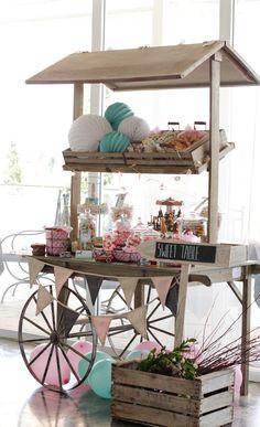 Carro de Golosinas Candy Cart, Wood Cart, Sweet Bar, Ideas Para Organizar, Happy Party, Craft Show Displays, Rustic Theme, Candy Buffet, Baby Boy Shower