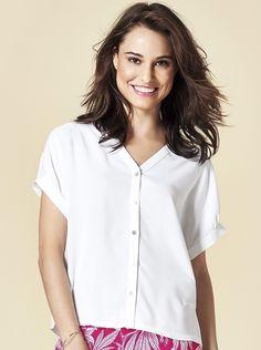 1697fed55 Camisa Feminina Adulta Em Viscose Com Gola Padre