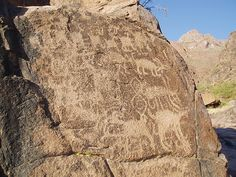 Superstition Mountains - Wikipedia, the free encyclopedia