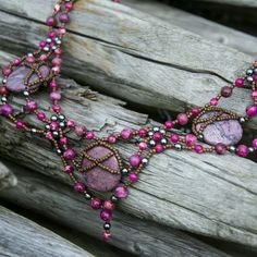 Love these colors. This necklace is available on our shop.