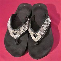 2c4a77be2805d4 Women s size 9 Black Flip Flops w  rhinestone toe thong 1 3 4