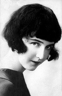 """Dorothy Gish (1896 - 1968) Silent movie actress, """"Nell Gwynne"""" and many others, and longtime stage actress"""