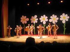 Mamma mia - Fin de curso 2012 - YouTube Mamma Mia, School Projects, Musical, Youtube, Diy And Crafts, Make It Yourself, Deco, Concert, Flamingos
