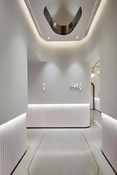 宁波万象汇 on Behance Boutique Interior, Lobby Interior, Interior Architecture, Dental Office Decor, Dental Office Design, Clinic Interior Design, Clinic Design, Ceiling Design, Wall Design