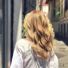 Beautiful Blonde 🌼 #oliveriparrucchieri #shuuemuraartofhair #bustoarsizio #colorlustre #extension   Content shared via Shu Uemura's Inspiration Gallery