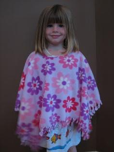 Ramblings of a Crazy Woman: No Sew Fleece Poncho