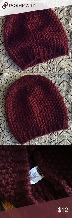 🍄Brand New Old Navy Maroon Knit Beanie🍄 Brand new knit beanie! Tried on but never worn! Pretty maroon color. One size. Boho, bohemian, indie style ❤ Old Navy Accessories Hats