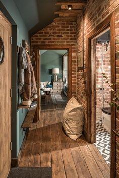 Living Room Red, Exposed Brick, Design Case, Cheap Home Decor, Colorful Interiors, Black Interiors, Home Interior Design, Interior Paint, Interior Ideas