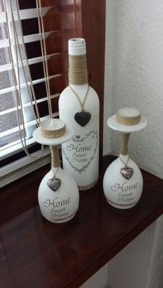 60+ Amazing DIY Wine Bottle Crafts - Crafts and DIY Ideas #DIYHomeDecorWineBottles #DIYRusticWeddingwinebottles