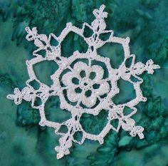 These Irish crochet patterns involve beautiful motifs like Irish crochet flowers or clovers made of lace. Such pretty crochet home decor and more. Free Crochet Snowflake Patterns, Christmas Crochet Patterns, Holiday Crochet, Crochet Snowflakes, Crochet Gifts, Diy Snowflakes, Knit Christmas Ornaments, Crochet Ornaments, Snowflake Ornaments
