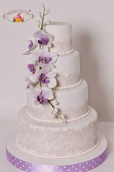 Torturi de vis: Tort de nunta cu orhidee si dantela