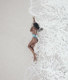 How to Take Good Beach Photos Poses Photo, Picture Poses, Summer Pictures, Beach Pictures, Girly Pictures, Photos Bff, Lake Photos, Shotting Photo, Beach Poses