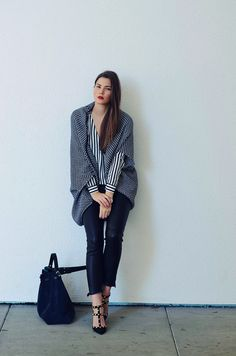 Nina Schwichtenberg trägt einen Mustermix. Mehr auf www.fashiioncarpet.com
