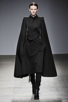 """Nicolas Andreas Taralis Fall/Winter Official uniform of the Shadow Lords. Everyone suit up. Vilma is good with that It could be """"Babylon Psi-Corps dress uniform… Also, """"The Shadow Lord"""" is a title I like. > Kimono inspired coat (sleeves and lapels Style Noir, Mode Style, Dark Fashion, High Fashion, Ghost Fashion, Modern Fashion, Street Fashion, Fashion Moda, Womens Fashion"""