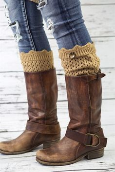 We love the dainty look of these Knit boot cuffs. A cute little scalloped edge gives a bit of a romantic look ~ cute and classy. A cute little button gives the last touch for perfection!!Available in Fabulous Classic colors - and a few fun POPs of colors too...CreamBlackDark GrayHeather GrayTanHunter GreenPinkHarvest OrangeOff White