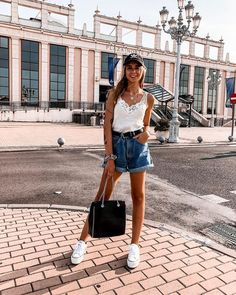 simple outfits ideas for everyday 20 Paris Outfits, Summer Fashion Outfits, Teen Fashion, Spring Summer Fashion, Spring Outfits, Fashion Trends, Simple Outfits, Stylish Outfits, Cute Outfits
