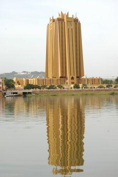 Je voyagerai au Mali, Afrique. Je visiterai la ville Bomako.