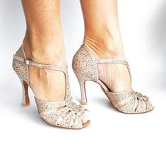 Pretty Shoes, Beautiful Shoes, Cute Shoes, Salsa Shoes, Salsa Dancing Shoes, Mother Of The Bride Shoes, Silver Wedding Shoes, Latin Dance Shoes, Tango Shoes