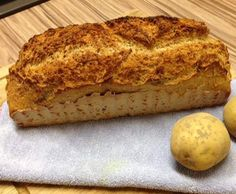 Kartoffelbrot mit rohe Kartoffeln