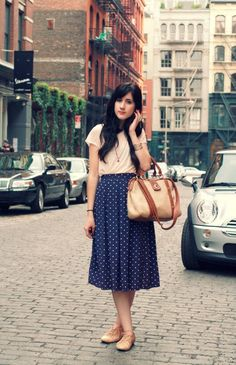I have a Navy Polka Dot Midi Skirt. Inspiration for how to wear it! Modest Outfits, Skirt Outfits, Modest Fashion, Midi Skirt Outfit Casual, Pretty Outfits, Cute Outfits, Vestidos Fashion, Cute Skirts, Midi Skirts
