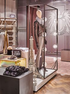 Rich & Royal Store Visual Merchandising by Blocher Blocher, Berlin – Germany » Retail Design Blog