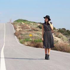 @pisimel Bu kış da kazaksız, montsuz bitti 🤣🖤 İyi geceler 😘  Photo: @gulcotti  #street #streetstyle #sokakmodasi #sokak #pisimelinstili #moda #kombin #trendy #izmir #beautiful #beauty #wearing #elbise #dress #look #blogger #style #stil #mystyle #cool #stilkolik #ootdmagazine #beautifulapparel #stilkolik #gülümse #siyah #black #hm @hm