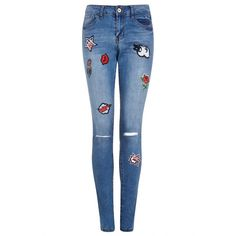Brave Soul Badge Skinny Jeans (780 ARS) ❤ liked on Polyvore featuring jeans, bottoms, skinny jeans, ripped jeans, denim skinny jeans, distressed skinny jeans and white super skinny jeans