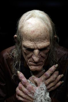Joel Harlow - Uncle Creepy, amazing costume, especially old creepy hands Makeup Fx, Old Age Makeup, Zombie Makeup, Scary Makeup, 3 4 Face, Male Face, Dark Fantasy Art, Dark Art, Creepy Hand