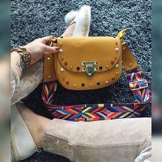 Horčicová kabela so zlatými cvokmi a hrubým farebným ramienkom  posledný ks  IHNEĎ K ODBERU v cene 3390 #bags#new#collection